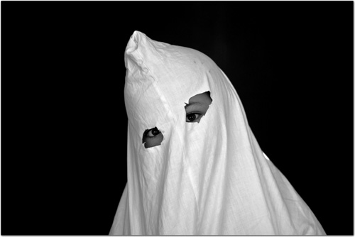 Tarquinette déguisée en fantôme
