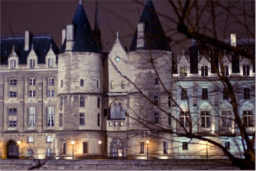 le Palais de Justice depuis le quai de la megisserie