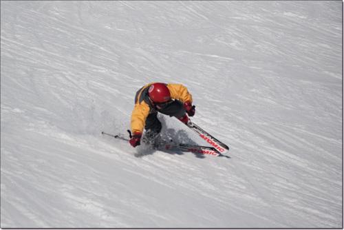 Tarquinou trébuche à ski